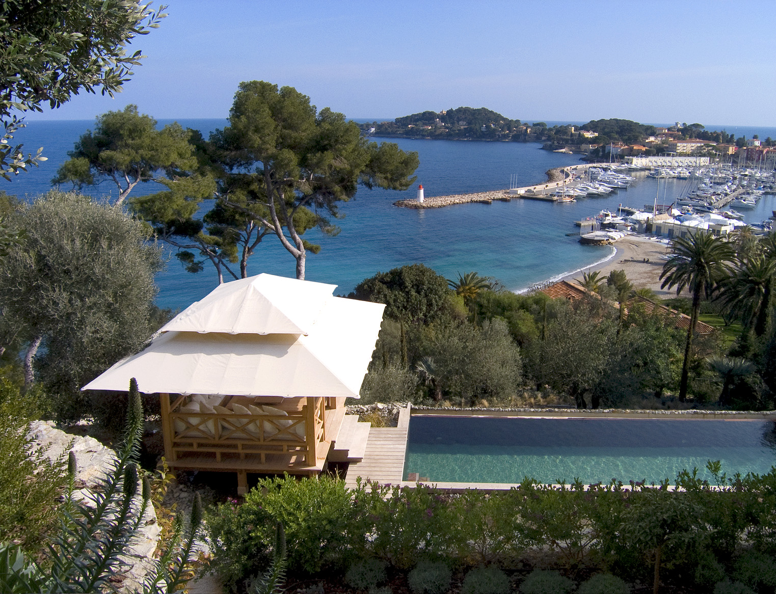 The summer season is coming! Rent your villas in the French Riviera and Sardinia!!